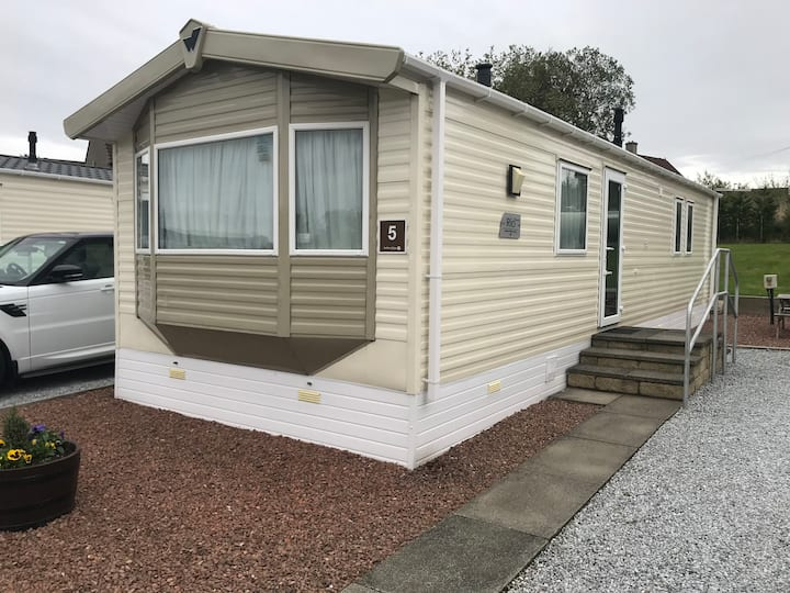 Red Deer Village Holiday Park Holiday Home: No4