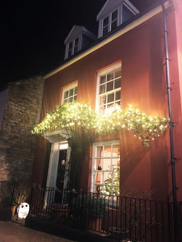 'The Town House' New Year 2019