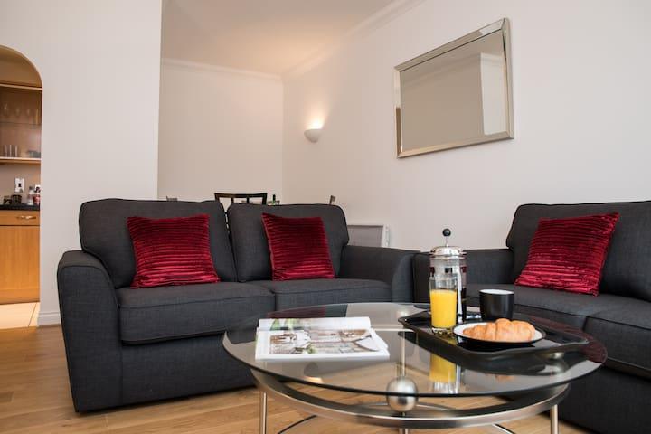 High Quality Serviced Apartment - RSH 2