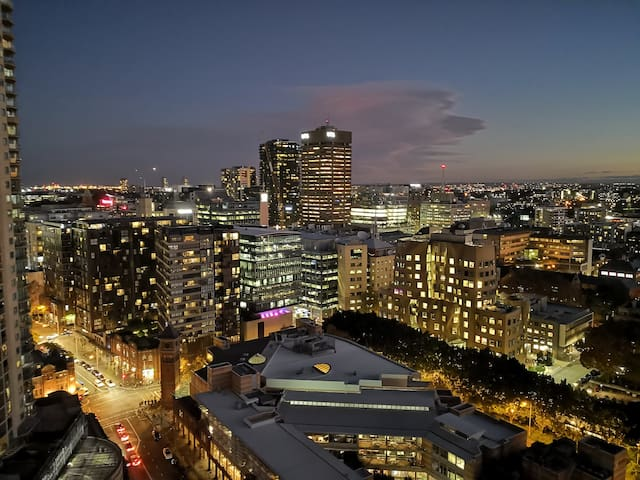 High Floor Sydney Central City View 7