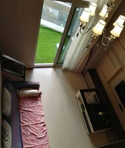 钱塘江边的精致loft公寓,地铁江陵路A口 - Hangzhou