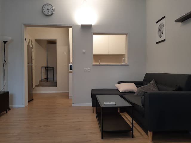 1 Bedroom Hacovshim