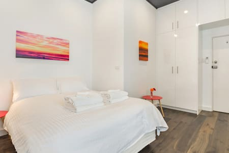 Stylish Hotel Style Room in the Heart Of Manly - Manly