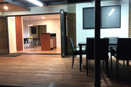 Central by Sea- 3 Bedroom Cosy Home - Warrnambool - Talo