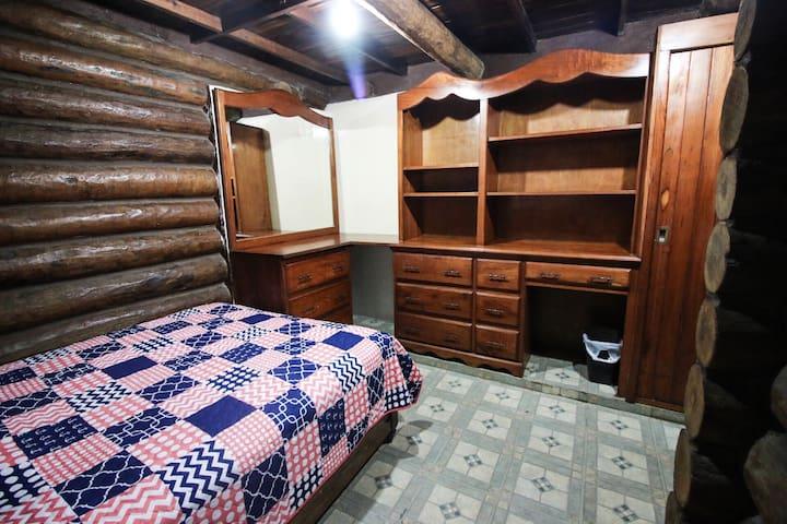 Habitación tipo cabaña, baño privado, A/C