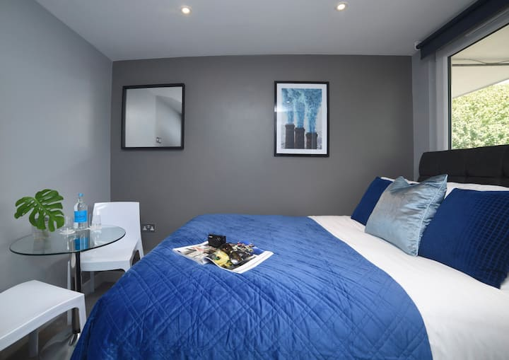 Clean & Modern Double Room with Private Shower