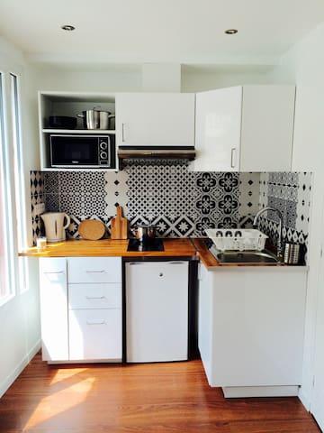Charming studio flat near Paris (-10 min by metro) - Villejuif - Appartement