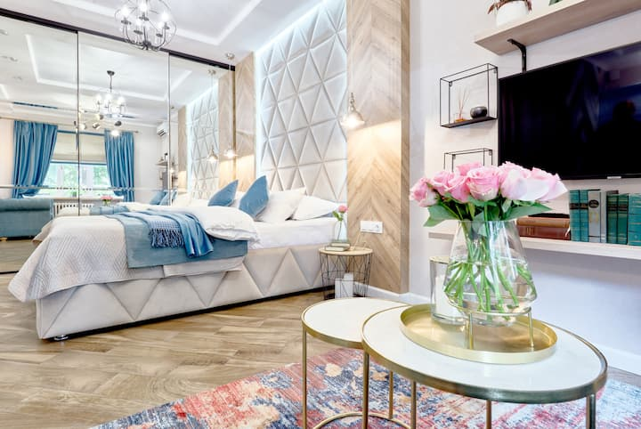 Cozy new apartment in the center of Kiev