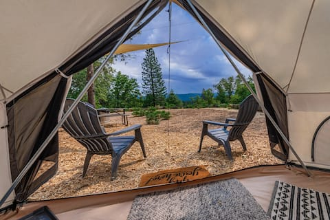Off-Grid Glamping Getaway in Tahoe National Forest