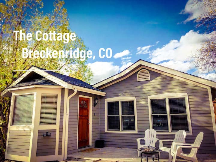 Modern Cottage ⭐ 3 Blocks to Main 🍷 Hot Tub 🛀