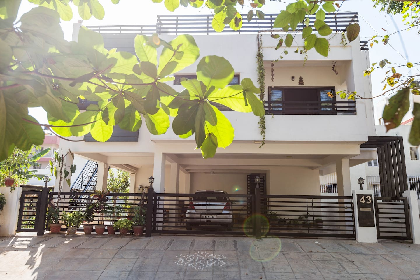 Tasteful, Bright modern house in clean, quiet and serene neighborhood! the