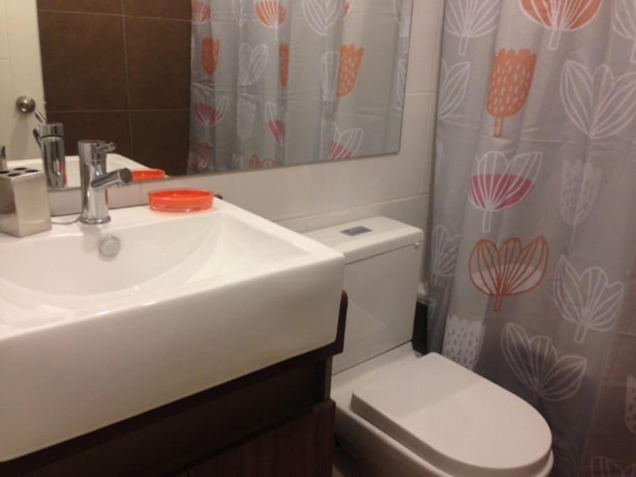 baño  completo dormitorio  matrimonial
