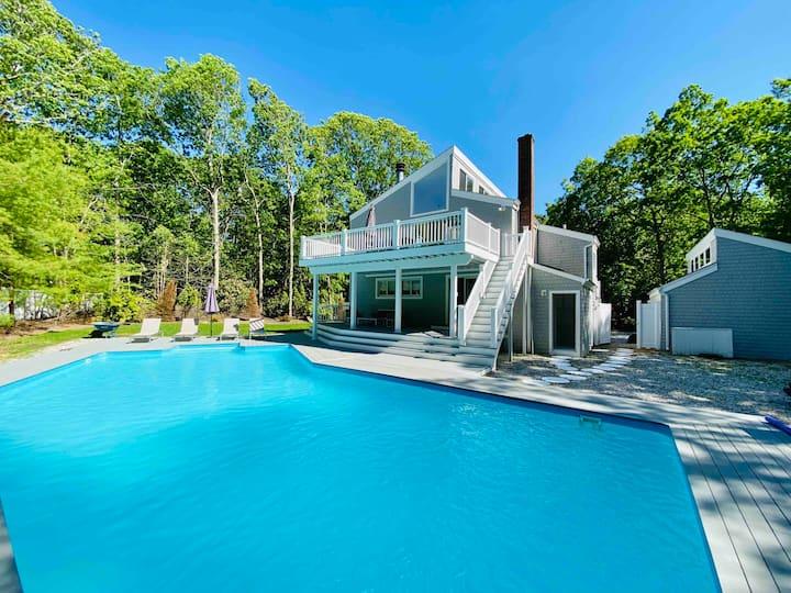 Mint, Modern and Beautiful in East Hampton Woods