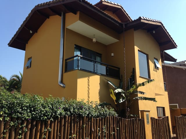 Ampla Casa em Condomínio - Av da praia de Maresias
