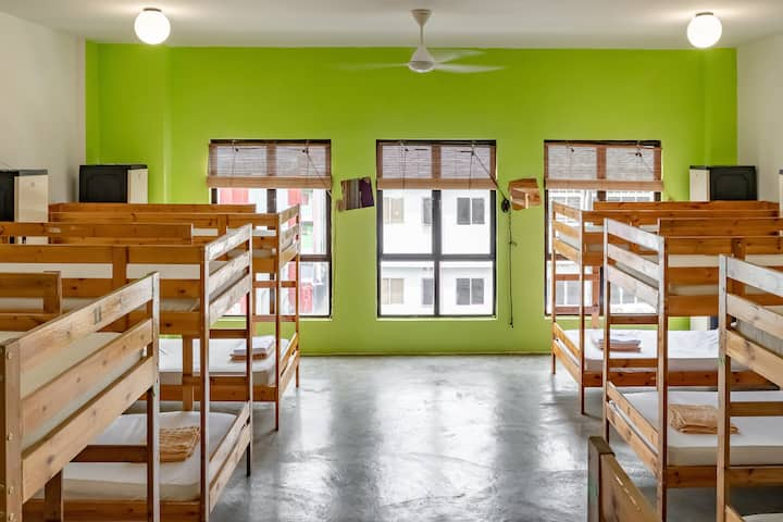 Spacious 16-Bed Mixed Dorm with FREE Breakfast