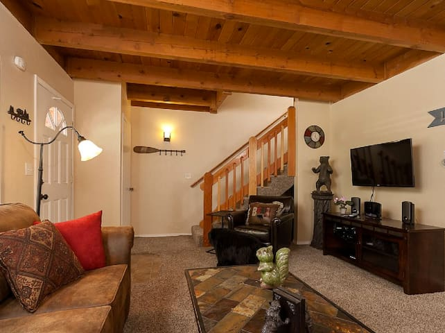 Slopeside family-friendly duplex (Unit B) - Big Bear Lake