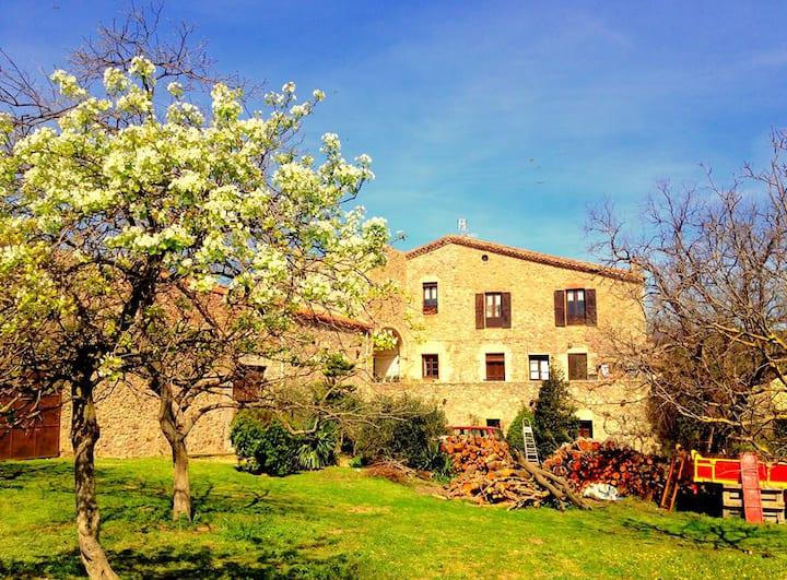 Casa Rural Can Massot de Darnius(Girona)