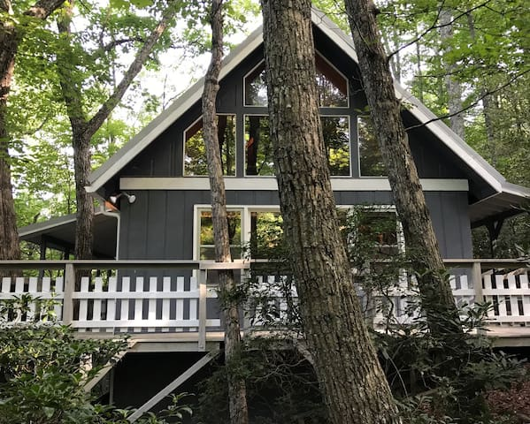 Sleeping Bear Cabin-Vacation Wonderland