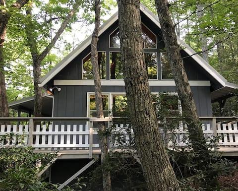 Sleeping Bear Cabin- Vacation Getaway