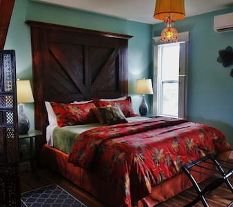 The Sunset Suite at The Riverwood Suites - Apalachicola