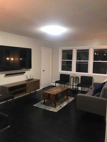 2 Bedrooms Apartment- New Haven (Near Downtown)