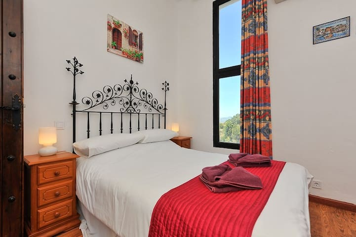 Guests Bedroom 1
