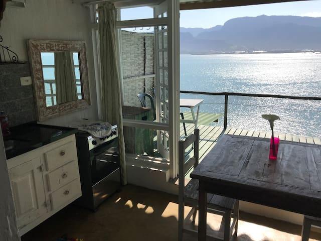 Loft 2 - frente ao mar com praia particular