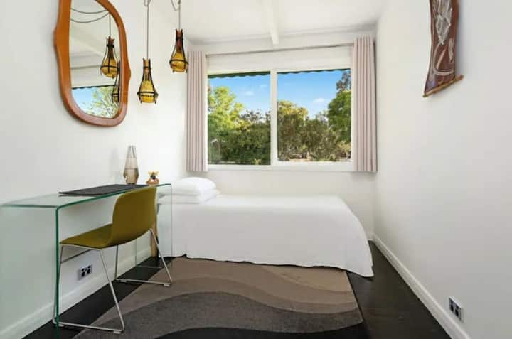 Single Room at ART house Wodonga