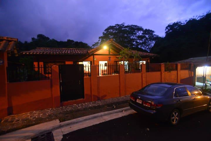 3BR 2B SPACIOUS HOUSE NEAR THE SOCCER FIELD IN MA