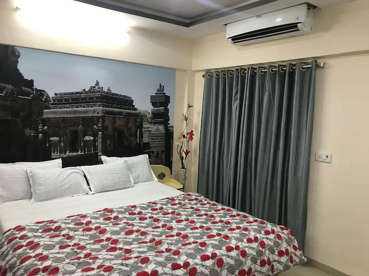 2 Rooms near Ajanta and Ellora-breakfast included