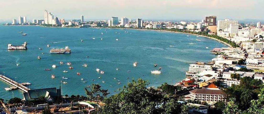 FNB15芭提雅中央海最好位置的青旅,返30株宋条附近尚泰商场,海滩,人妖秀,酒吧,按摩,餐厅,便利