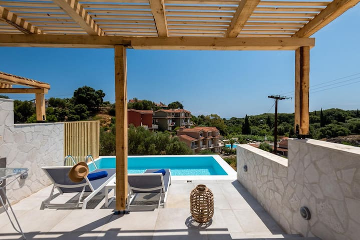 Velanidia Suite with private pool