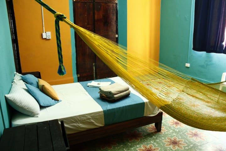 Hostal xiinbal merida habitación privada