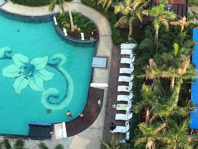 温泉游泳高层公寓两室两厅,Two bedrooms Flat with swimming pool