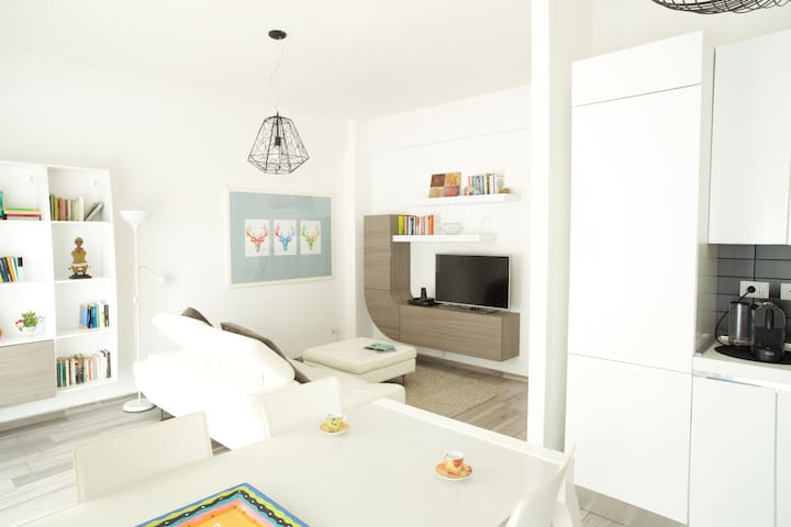 Cozy apartment close to St. Peter and Trastevere - Roma - Apartamento