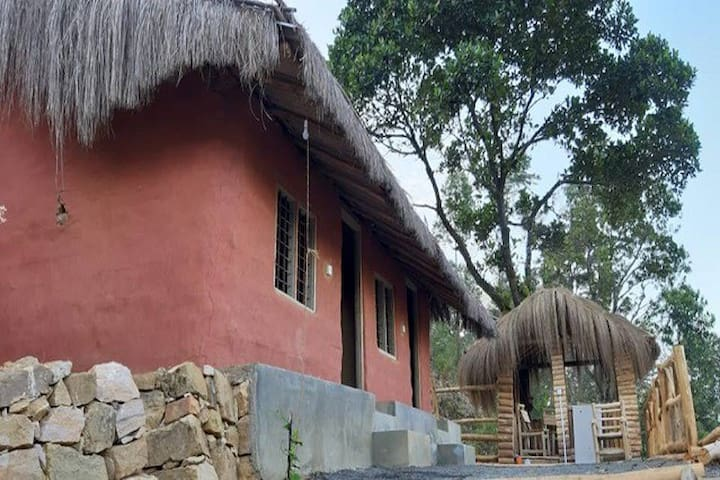 2BHK Mud House with Chit Chat Hut & Mountain View