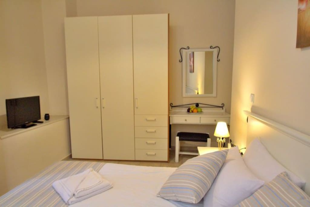 Beautiful sohpisticated double  bed bedroom
