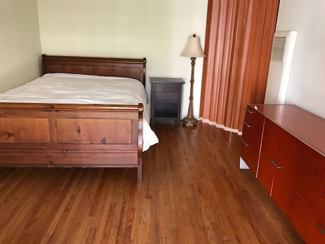 Cozy Private Room Downtown Glendale - Glendale - Apartamento