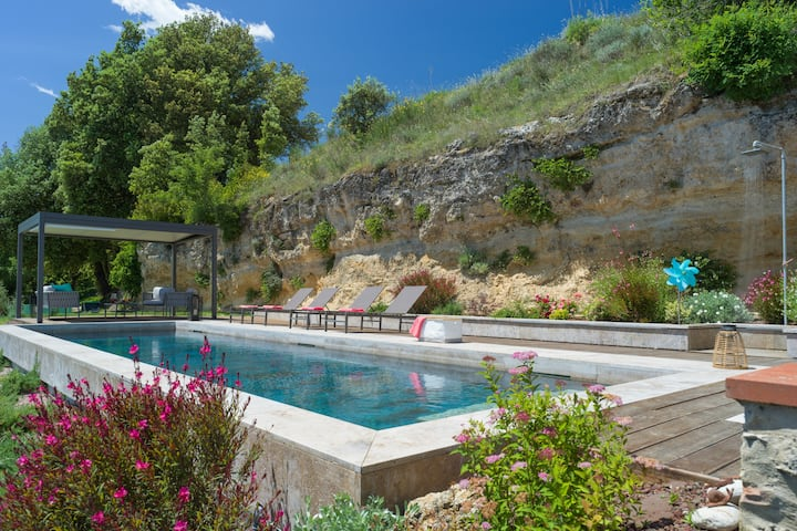 Wonderful villa with heated pool