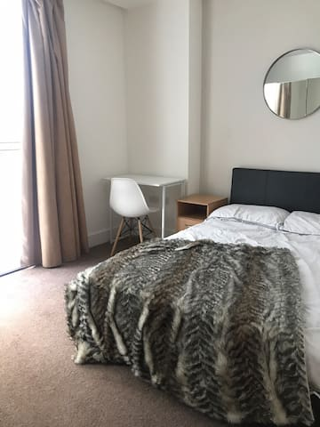 Luxury, modern room in the heart of London