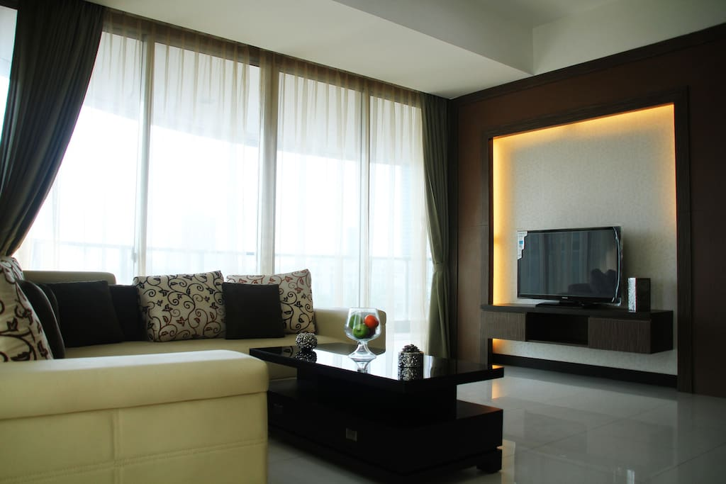 Living room with a flat screen TV