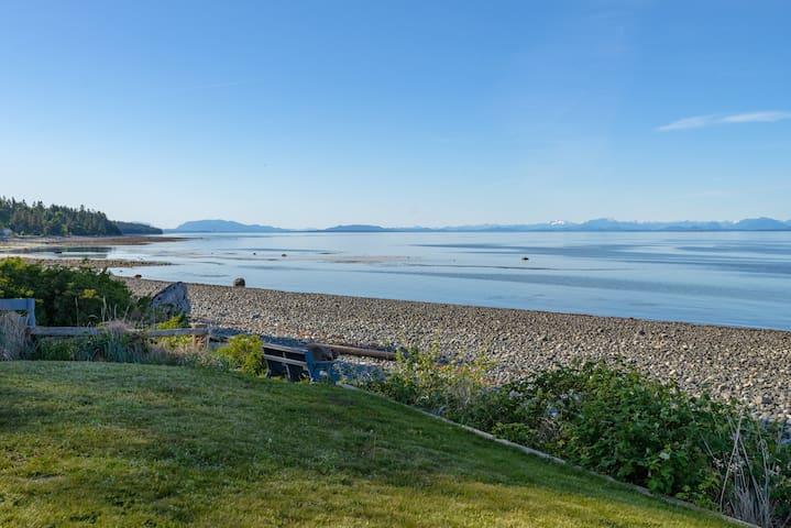 Seaside Condo w/ Ocean Views Near Mount Washington