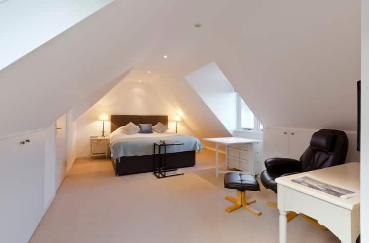Cosy Studio Flat on Rural Thames