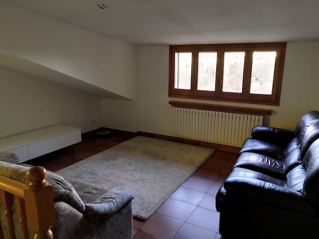 Floor 2 - Living room 2