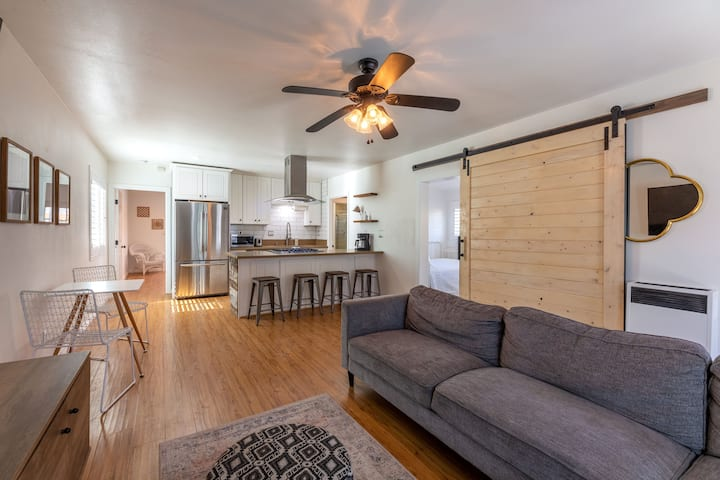 Cozy, fun and modern  2 bedroom