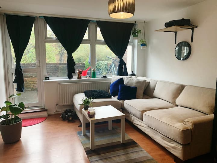 Huge double room with private garden & livingroom
