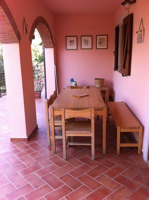 Zona pranzo esterna