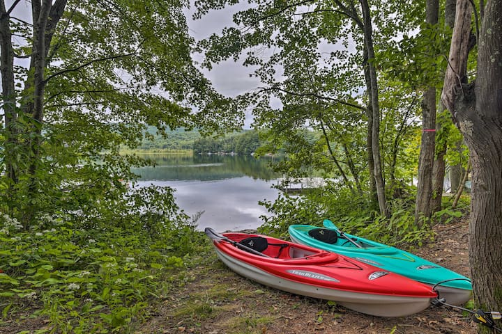Rustic Berkshires Cottage at Lake Buel w/ Kayaks!