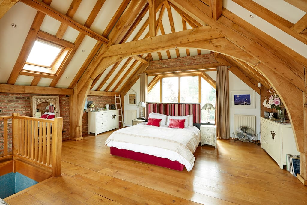 Barn Bedroom with Superking bed
