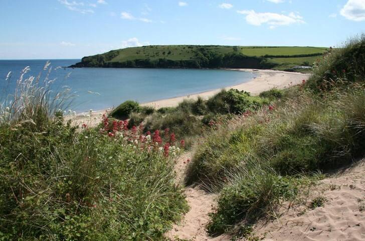"Heulwen ""Sunshine"" Chalet, Pembs Coastal Path"